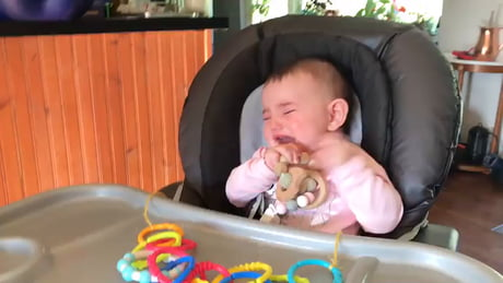 Wholesome – Baby tastes food for the first time! Banana purée