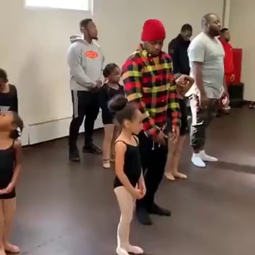 Wholesome – Dads dancing ballet with their daughters